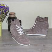 38 24,5см Hot Ice Замшевые бежевые сникерсы ботинки