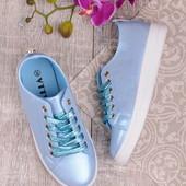 Женские стильные кеды голубого цвета