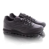 Стильные удобные мужские кроссовки черного цвета