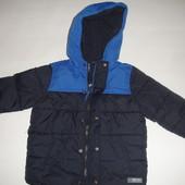 Фирменная Gap качественная деми куртка мальчику 3 лет