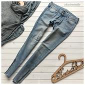 Стильные джинсы скинни рр М