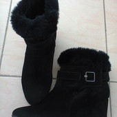 Зимние замшевые ботинки Geox.