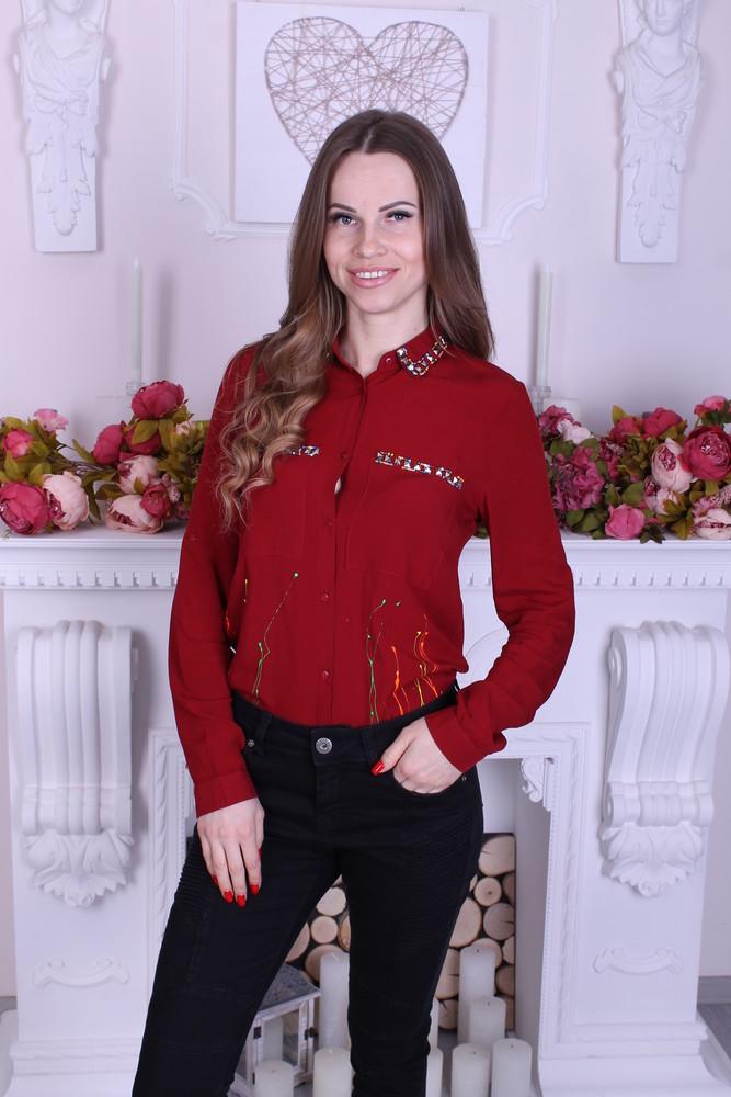 Женская блузка декорирована бусинками фото №1