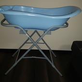 Подставка для детской ванной с шлангом для слива