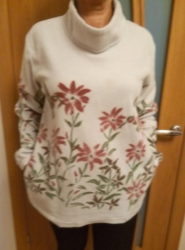 Хорошенький тепленький свитер с карманами фото №1