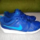 Кожаные кроссовки фирмы Nike