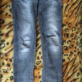 Серые джинсы в хорошем состоянии