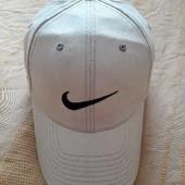 Фирменная бейсболка Nike р.56-58