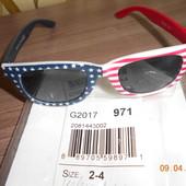Солнцезащитные очки для ребенка 2-4 лет, но реально до 3 лет, пролет с сайта Children's place .