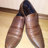 Фирменные кожаные туфли в состоянии новых, р.48