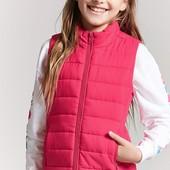 Классная жилетка малинового цвета на девочку Forever 21 из США