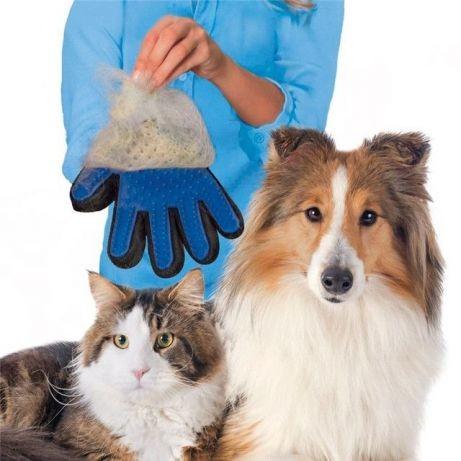 Перчатка для вычесывания шерсти с домашних животных pet brush glove фото №1