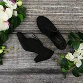 Туфли черного насыщенного оттенка.  SH182156