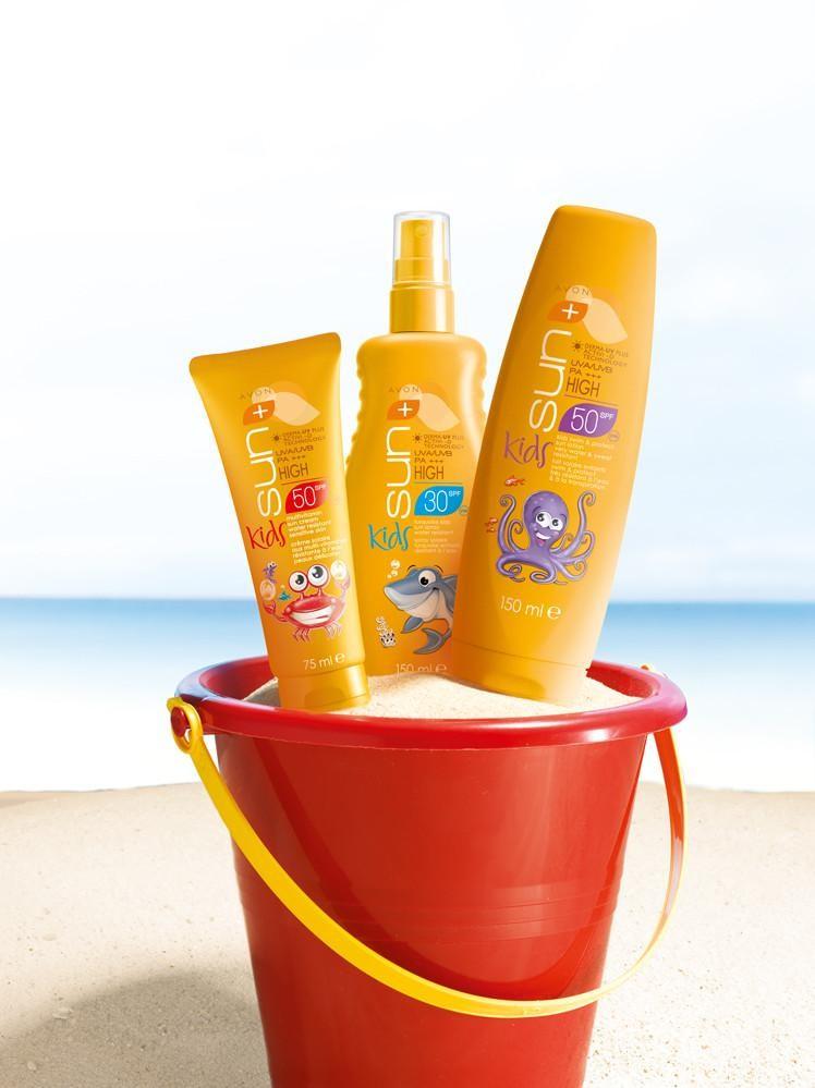 Солнцезащитный лосьон, лосьон-спрей, мультивитаминный крем  для детской кожи SPF 30 фото №1