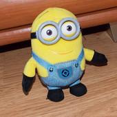 Фирменная игрушка Миньон