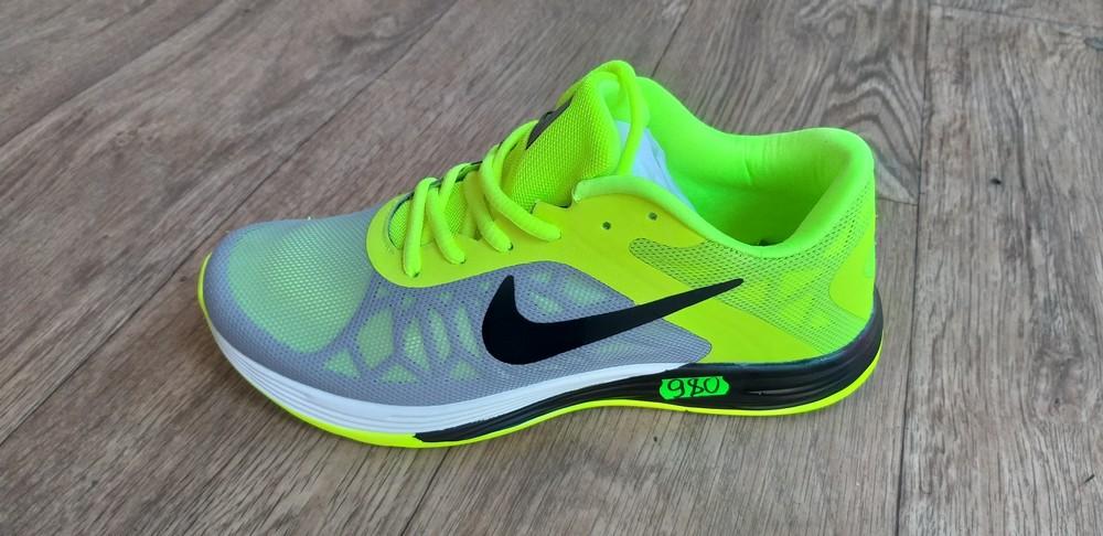 Кроссовки мужские из текстиля Nike фото №1