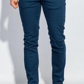 Мужские натуральные зауженные брюки р. 30 темно-синие