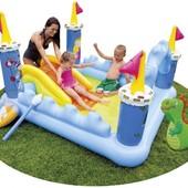 Игровой центр Фантастический замок 57138 Intex игрушками, надувним щитом и скипетром