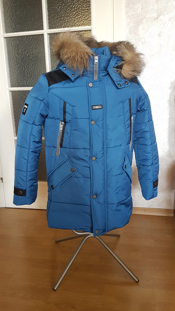 Теплая зимняя подростковая куртка. фото №1