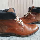 Ботинки із натуральної шкіри зовні і всередині 43 рр і устілка 30,5 см.