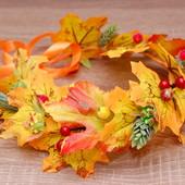 Осенний венок веночек на голову с листьями, хмелем и ягодами