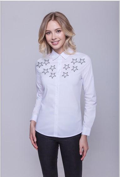 Блузка с вышитыми звездами фото №1