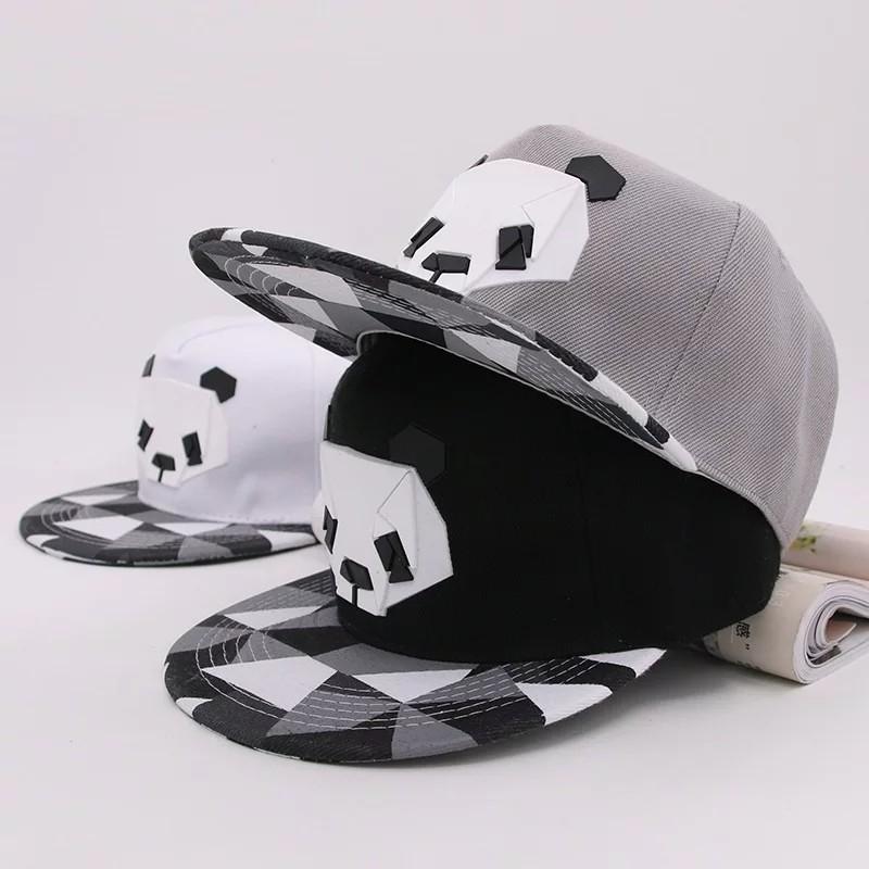 Кепка снепбек панда с прямым козырьком фото №1