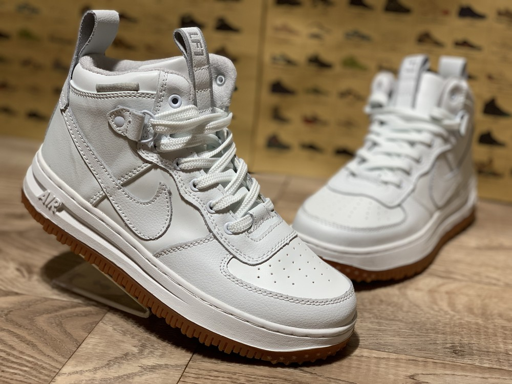 Nike air force женские высокие белые кроссовки фото №1