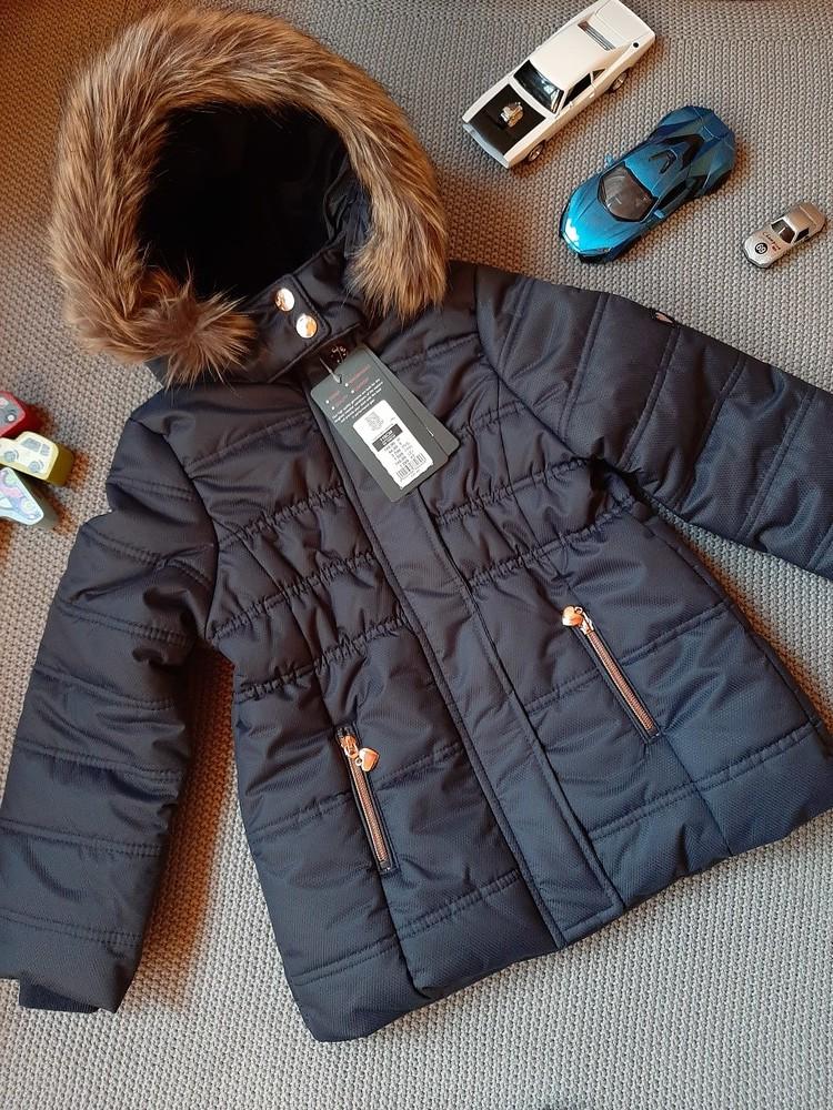 Красивая фирменная куртка на девочку! фото №1