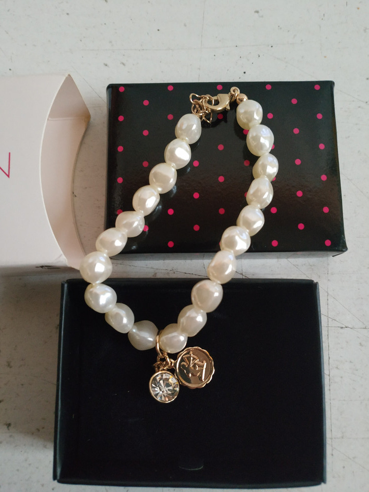 Женский подростковый браслет под жемчуг стрелец американского бренда avon фото №1