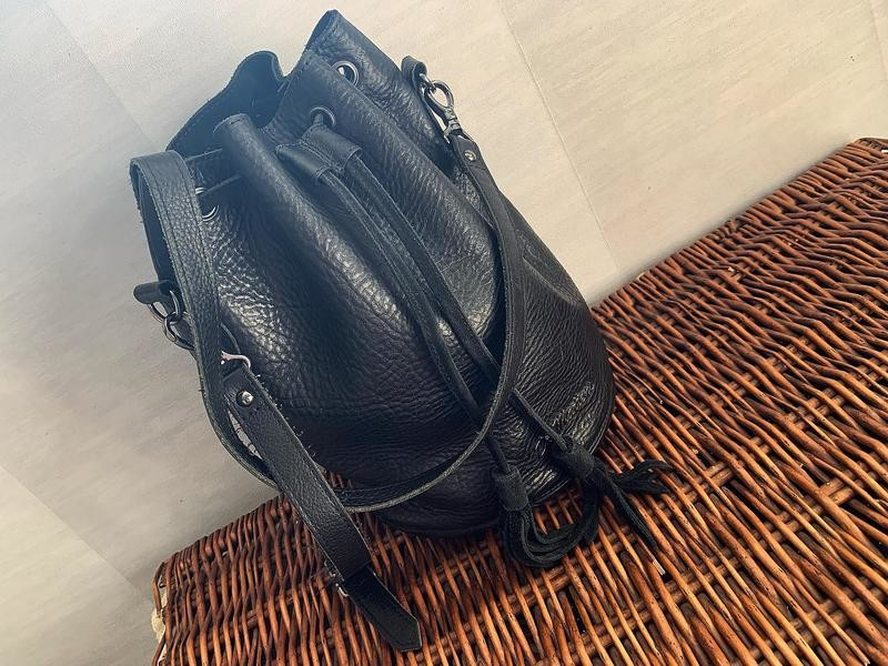 Кожаная стильная сумка dr. martens фото №1