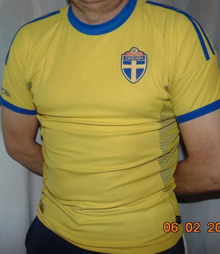 Спортивная футбольная фирменная футболка зб швеции ljungberg.м-л . фото №1