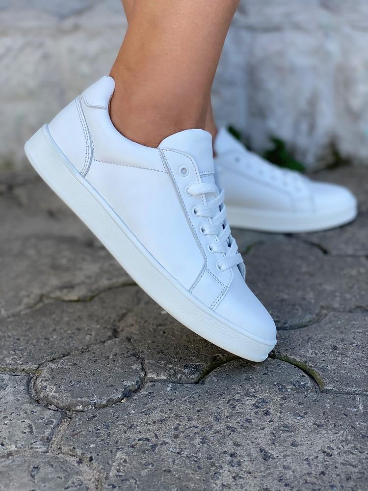 Белые базовые кеды на шнурках для девочки и девушки ( фемили лук) фото №1