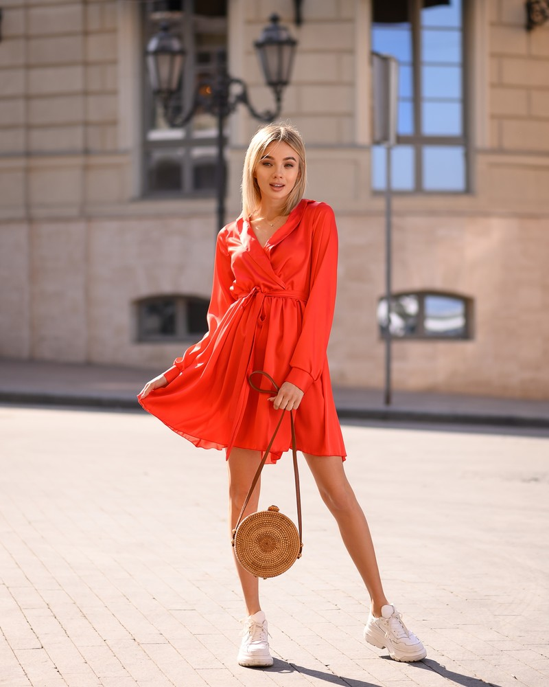 Однотонное шелковое платье-мини, юбка-солнце фото №1