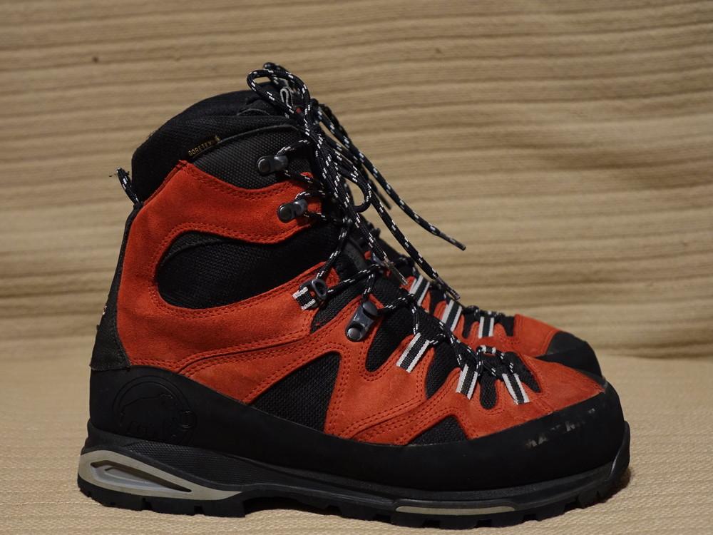 Фирменные высокие трекинговые ботинки mammut men's monolith gts 43 р. фото №1