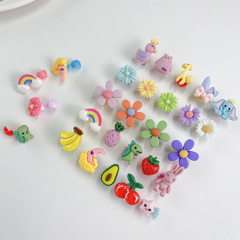 Набор детских заколок. разноцветные. 7 шт. фото №1