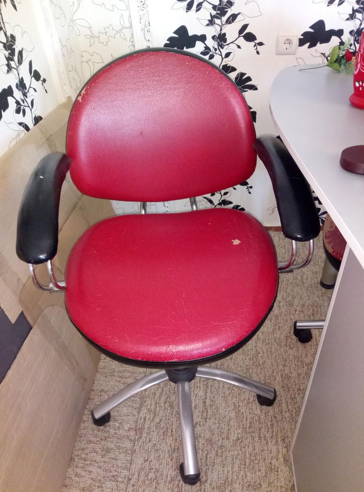 Вращающейся стулья для салона б.у фото №1