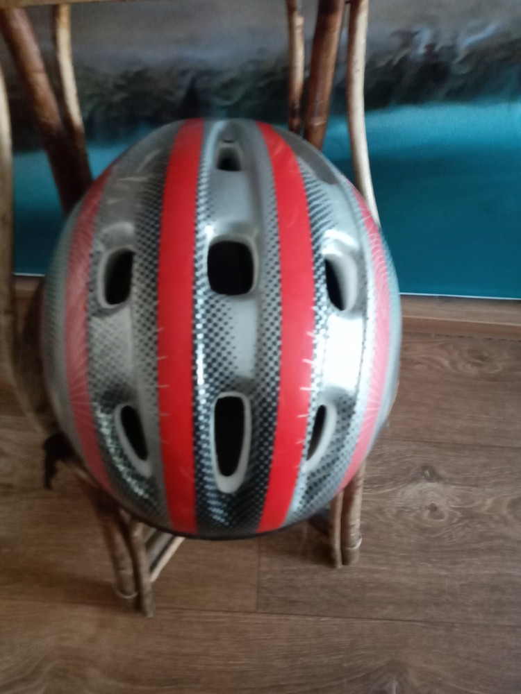 Шлем, для безопасного катания на роликах и велосипеде. фото №1